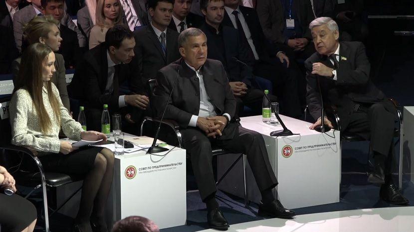 Рустам Минниханов обвинил Ивана Гущина в бюрократизме