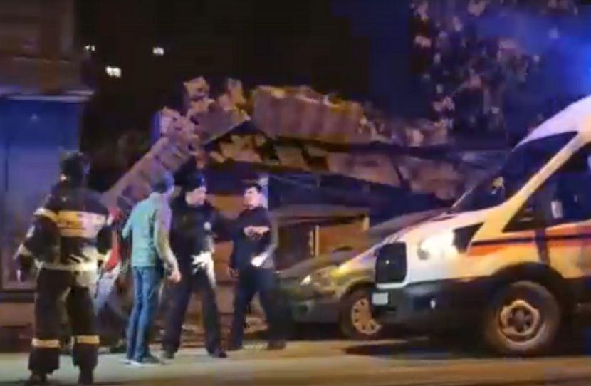 В Самаре после взрыва рухнула стена жилого дома, есть жертвы — видео
