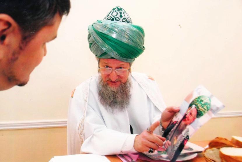 Верховный муфтий поддержал поправку в Конституцию в отличии от муфтия Татарстана