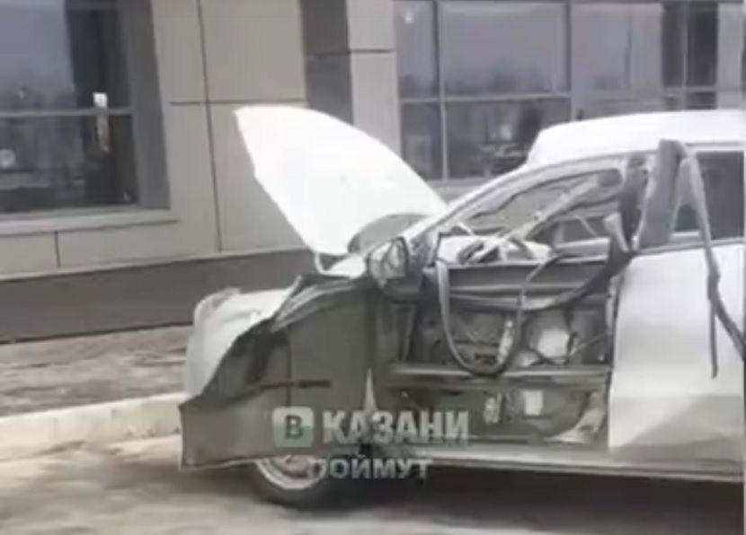 Два человека пострадали при взрыве автомобиля на трассе М7 под Казанью