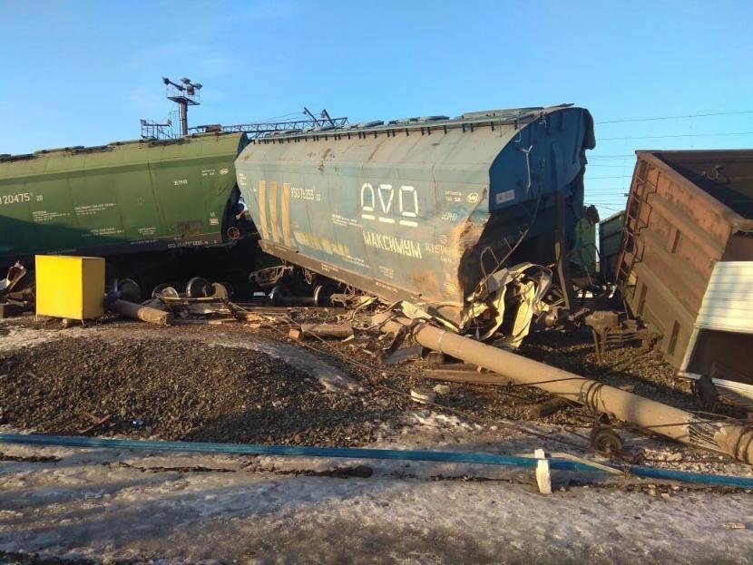Шесть вагонов сошли с рельсов на станции Юдино под Казанью – видео