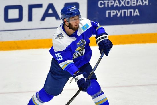 Хоккеист «Барыса» Рыспаев вызвал на бой коронавирус