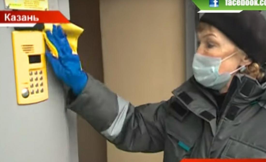 «Правила вызова»: В Казани начали обрабатывать лифты против коронавируса