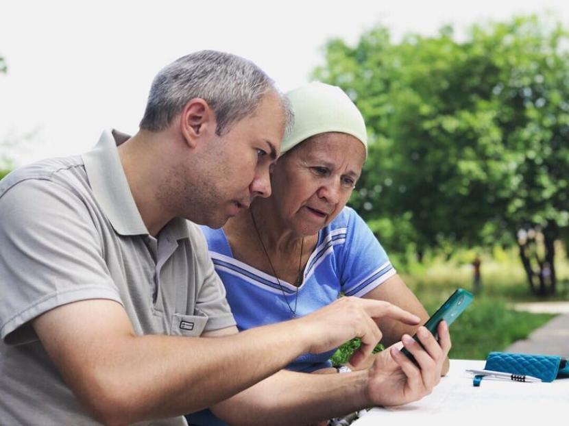 В Казани запустили «горячую линию» для одиноких пенсионеров