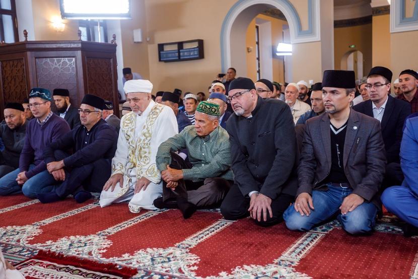 Главам регионов России поручили ограничить посещение церквей и мечетей