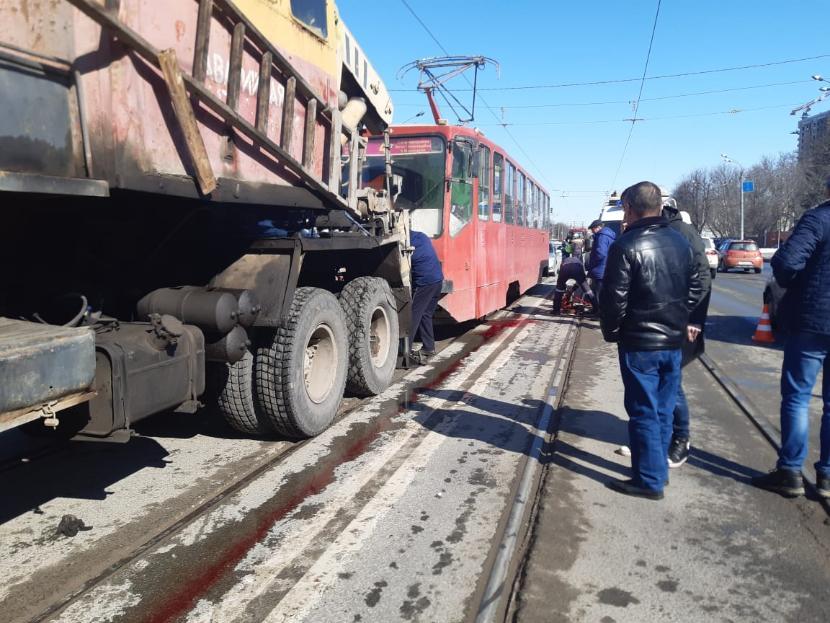 Жительница Казани лишилась ноги, попав под трамвай