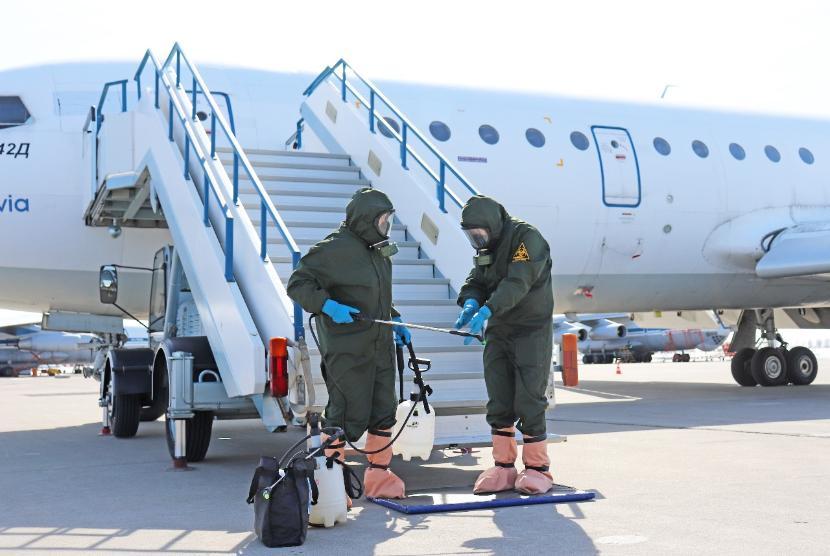 В России отменяются все авиарейсы за рубеж, а также закрываются торговые центры