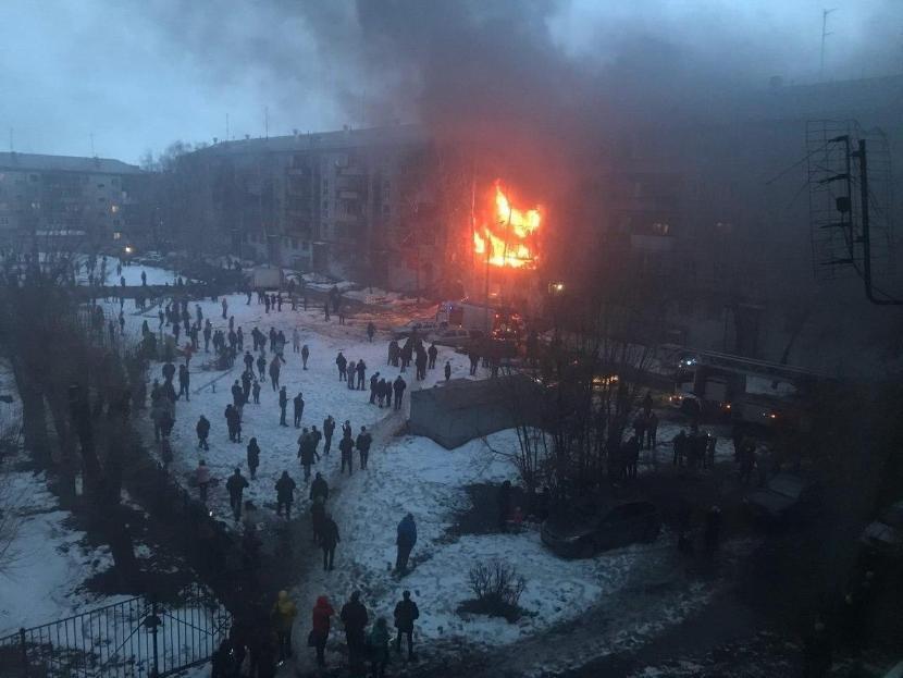 В Магнитогорске произошел взрыв в жилом многоэтажном доме, есть пострадавшие