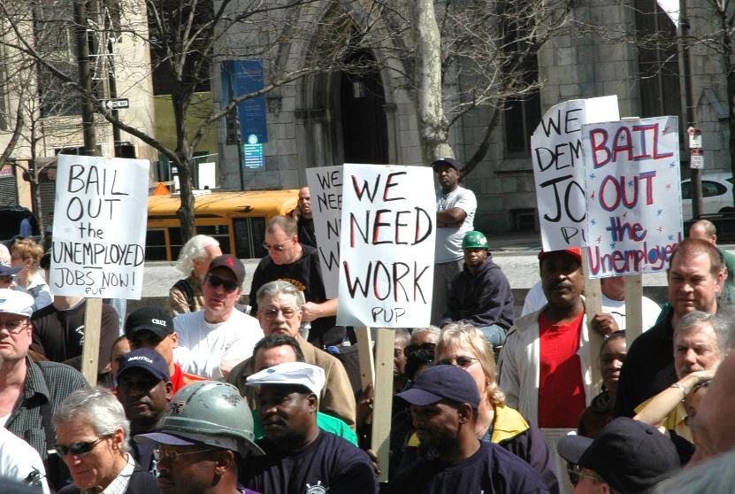 За неделю количество заявок на пособие по безработице в США выросло до 3 млн