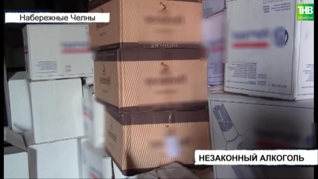 Три тысячи литров спиртного с признаками подделки изъяли в Татарстане