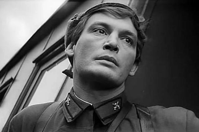Народный артист СССР Василий Лановой скончался от коронавируса в возрасте 87 лет
