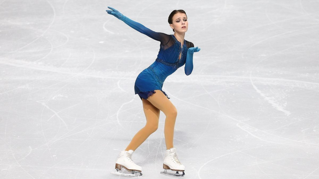 Анна Щербакова выиграла чемпионат мира по фигурному катанию в Стокгольме