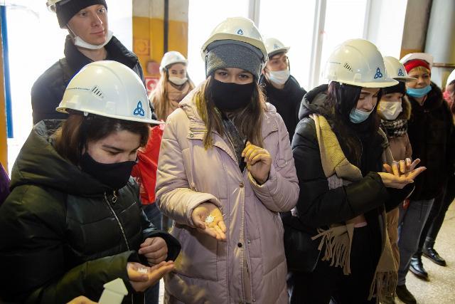 ПАО «Нижнекамскнефтехим» посетила экологическая организация «Будет чисто»