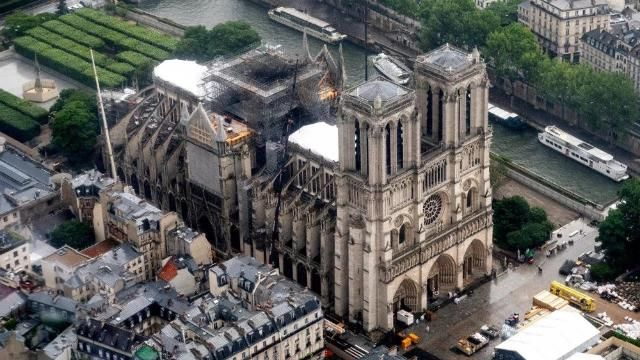Названы сроки полного восстановления собора Нотр-Дам