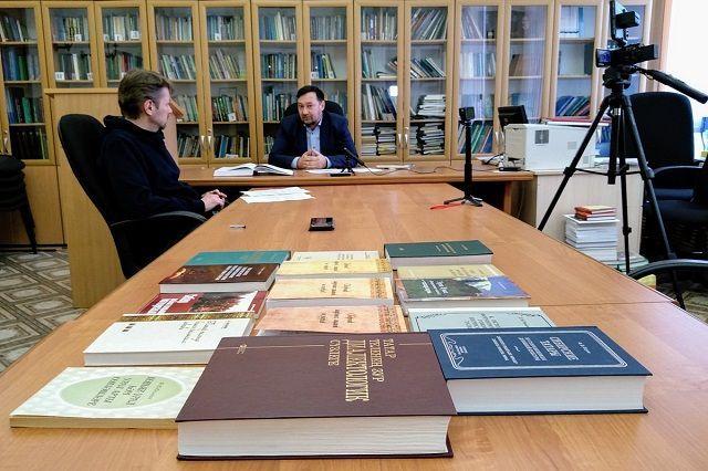 Лингвист Олег Хисамов: Я сильно сомневаюсь, что народ можно уговорить превратиться в другую национальность