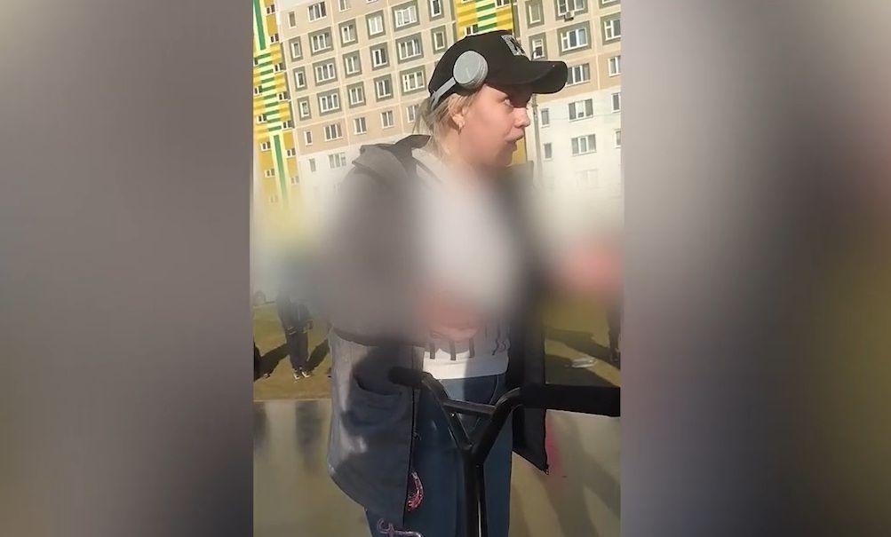 «Это моя собственность»: челнинка выгнала ребенка с детской площадки - видео