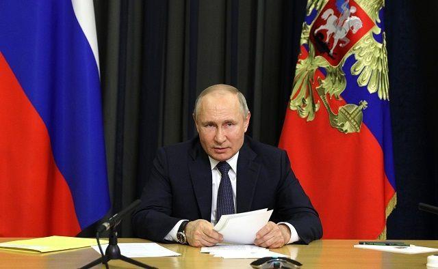 Путин выступил против обязательной вакцинации от вируса COVID-19