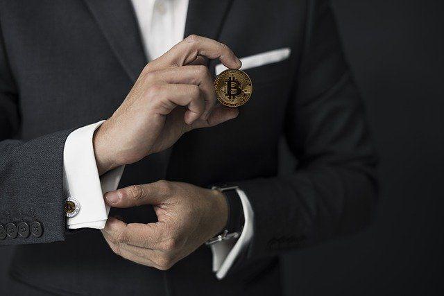 Минниханов обязал чиновников отчитаться о владении криптовалютой