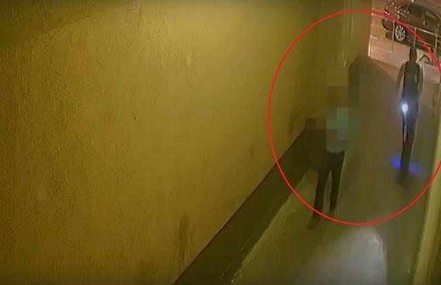 Видео: грабитель на электросамокате избил и обчистил прохожего в Екатеринбурге