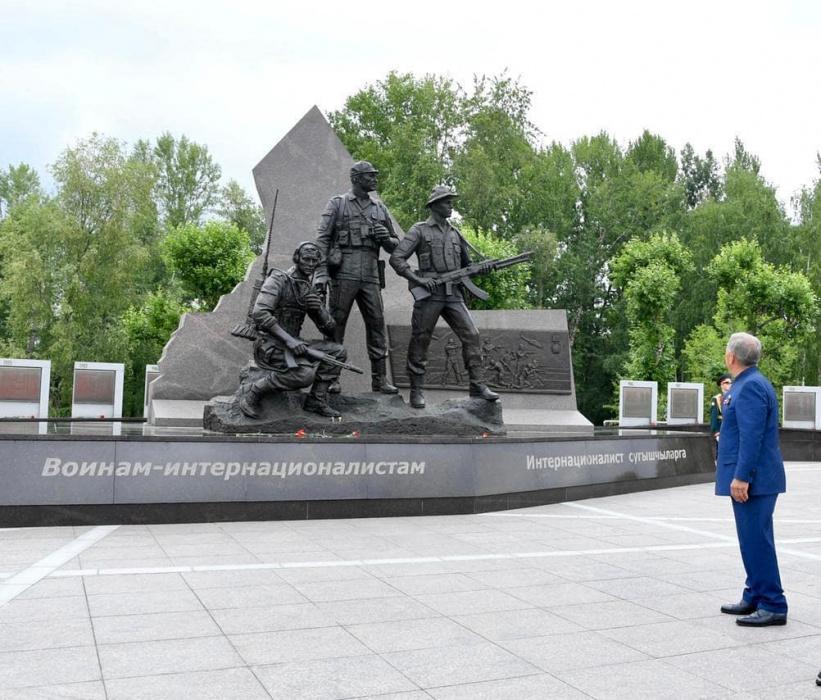 Минниханов поделился фотографией мемориала воинам-интернационалистам в Казани