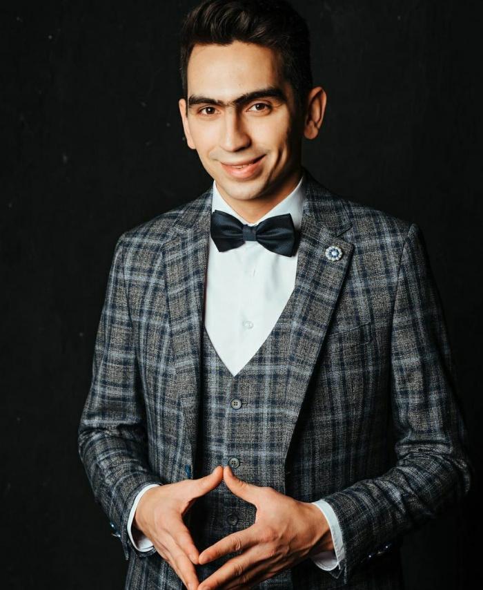 Рамил Шарапов чит илгә бармыйча гына шәп итеп кызынырга өйрәтә