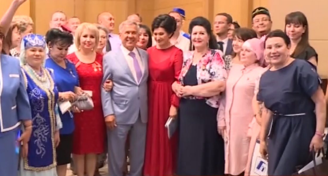 Татарстан Президенты Үзбәкстан татарлары белән очрашты