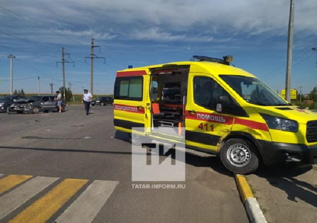 Житель Татарстана попал в больницу после ДТП с машиной скорой помощи
