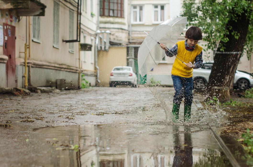 """Рөстәм Миңнеханов """"Безнең ишегалды"""" программасы буенча төзекләндерелә торган ишегалдын карады"""