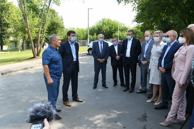 Минниханов призвал кандидатов в депутаты Госдумы общаться с людьми напрямую
