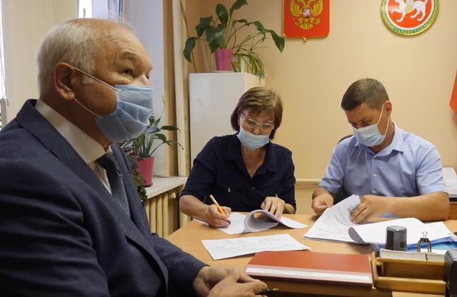 Ильдар Гильмутдинов подал документы для участия в сентябрьских выборах в Госдуму РФ