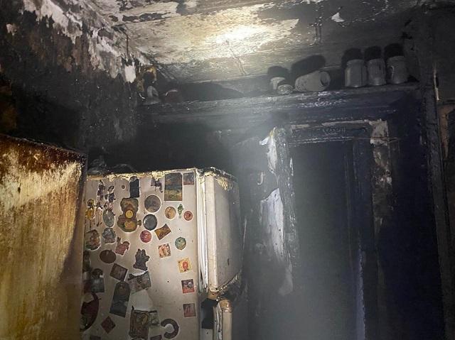 В многоквартирном доме Альметьевска ночью вспыхнул пожар