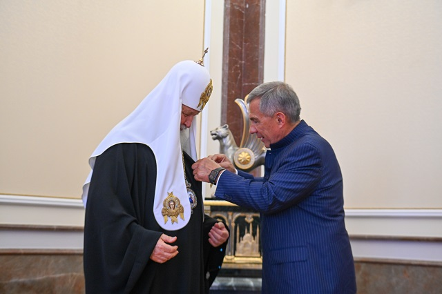 Патриарх Кирилл был удостоен ордена «Дуслык»