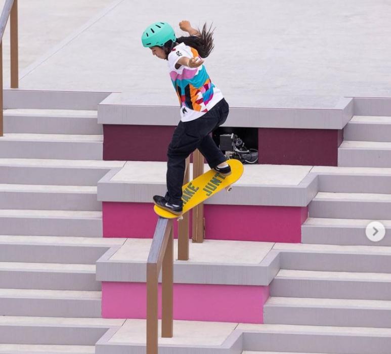13-летняя скейтбордистка из Японии взяла золото на Олимпиаде в Токио