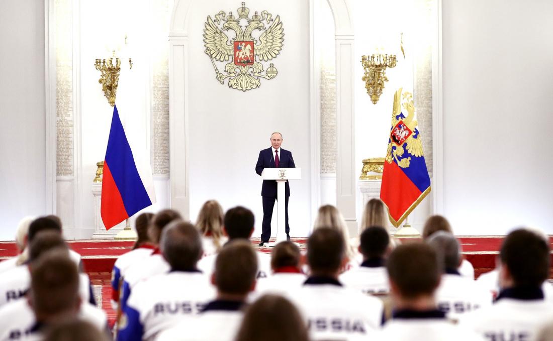 Путин поздравил с золотом пловца Рылова, победившего на дистанции 100 метров на спине