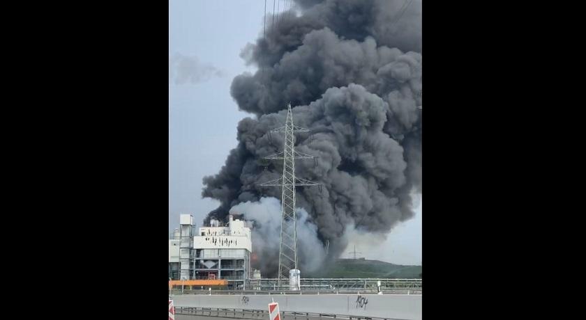 В Германии прогремел мощный взрыв на мусоросжигающем заводе – видео