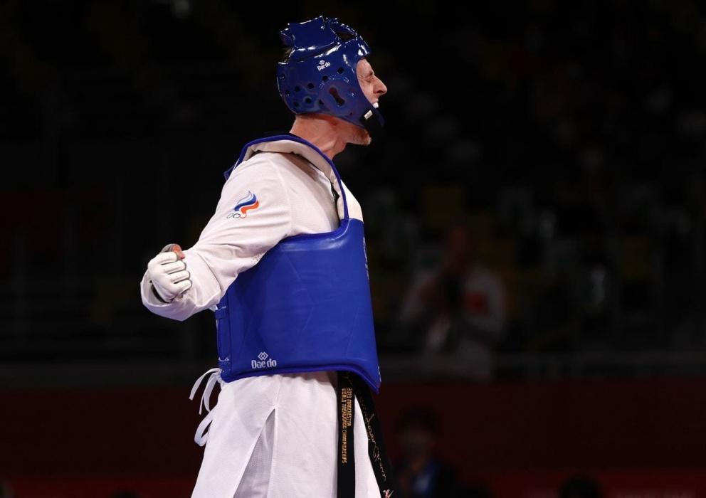 Российский боец Владислав Ларин принес второе золото России по тхэквондо на ОИ в Токио
