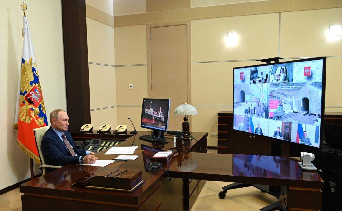 Путин по видеосвязи запустил движение поездов по второму Байкальскому тоннелю