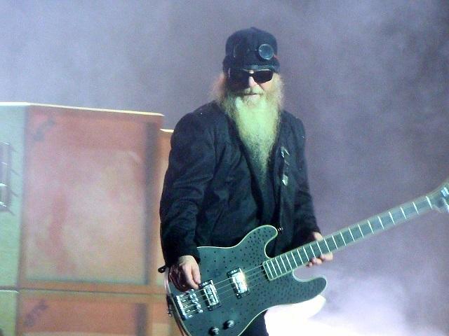 Басист легендарной группы ZZ Top Дасти Хилл умер во сне в возрасте 72 лет