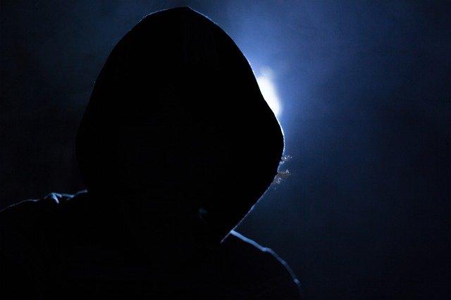 В Казани мошенники пытались по телефону выманить у женщины 1 млн рублей