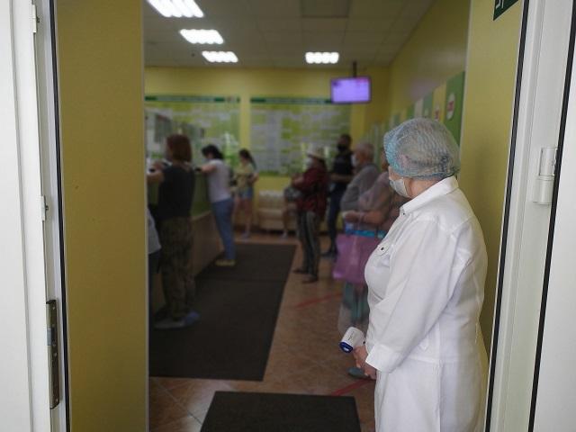 Татарстанның тагын 53 кешесе тәүлек эчендә коронавирусны йоктырган