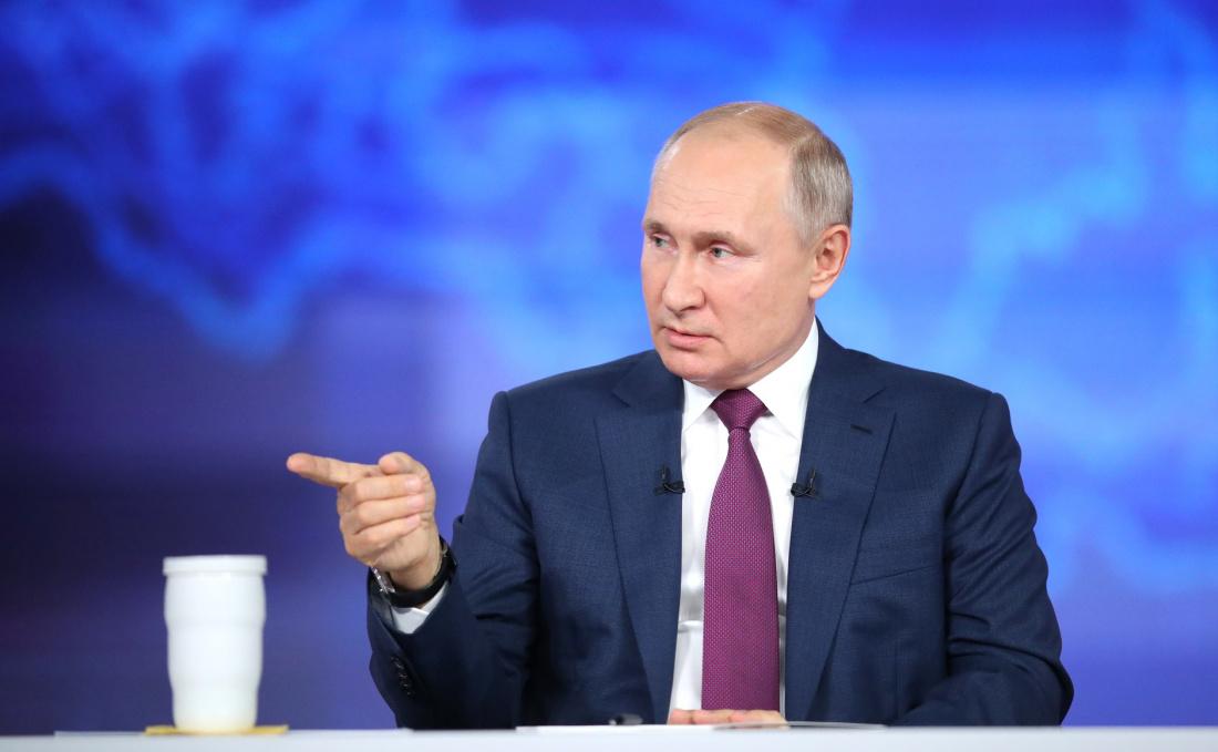 Путин поручил наладить взаимодействие с Катаром для подготовки ЧМ-2022