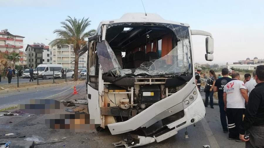 В Турции автобус с туристами из России попал в ДТП, четыре человека погибли – видео