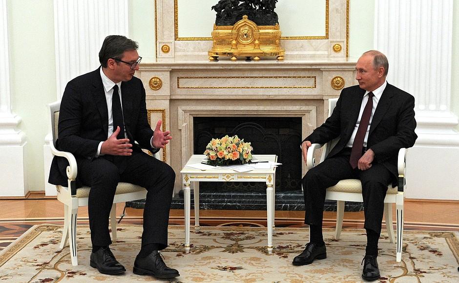 СМИ: Лондон стремится подорвать авторитет Путина на Балканах