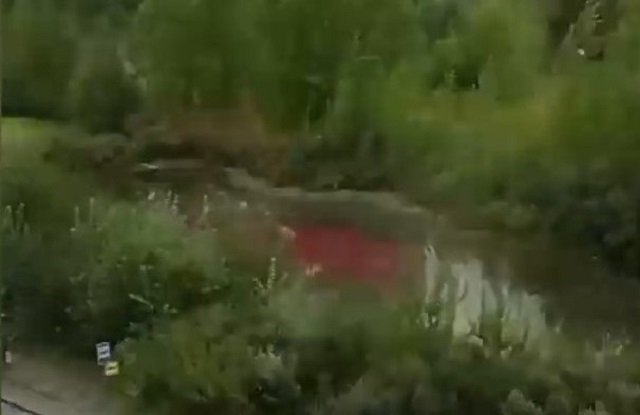 Казанда күл кызыл төскә кергән