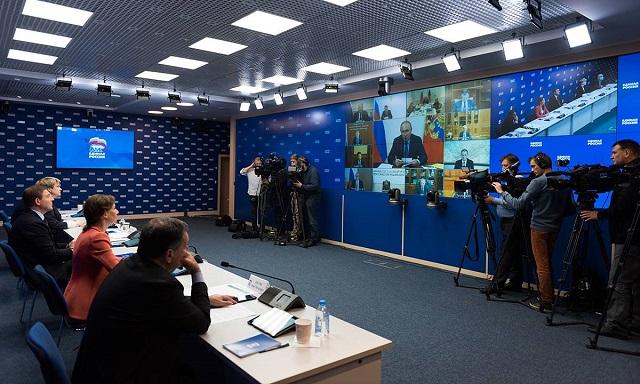 В «ЕР» раскрыли причину участия лидеров партии на совещании Путина с кабмином
