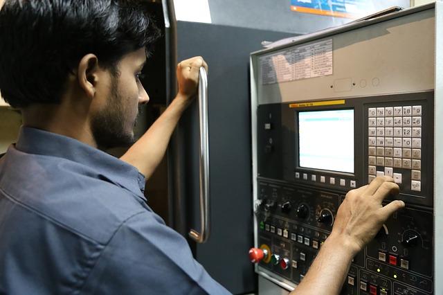 Сотрудникам «КамАЗа» повысят зарплату на 4,3%