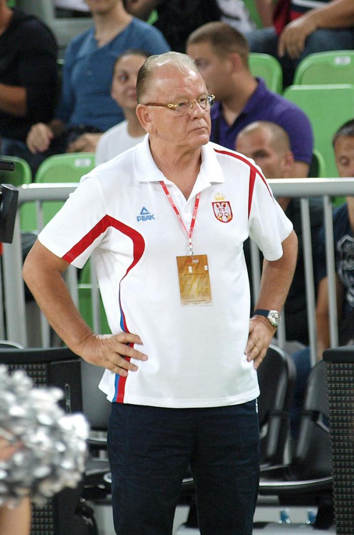 Известный баскетбольный тренер Душан Ивкович умер в 78 лет