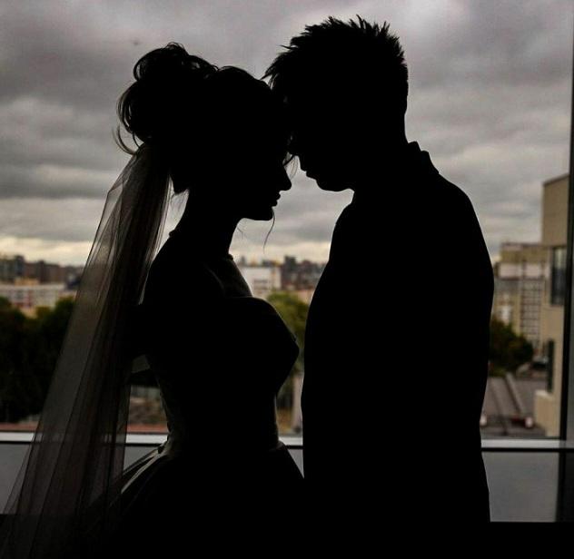 Певец Элвин Грей официально женился на своей возлюбленной