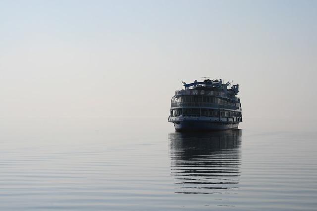 Теплоход доставил казанских туристов вместо Самары в Чебоксары – начата проверка