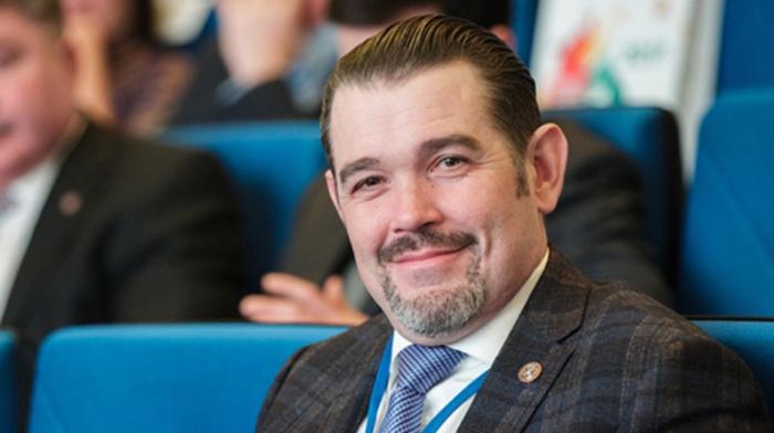 При получении взятки в 2,4 млн рублей задержан глава ФСС Татарстана Павел Лоханов
